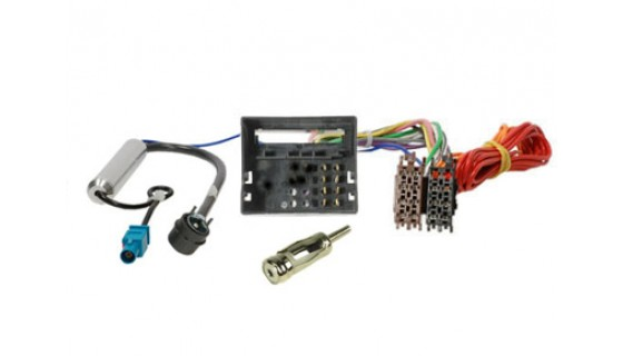 RTA 004.114-0 Câble adaptateur ISO - FAKRA + alimentation fantôme , avec AM / FM ISO 90 connecteur ° (angle)