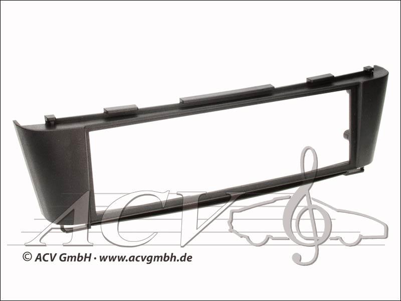 Nissan Almera lunette noire radio